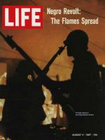 Life Magazine, August 4, 1967 - Troops patrol Detroit afire