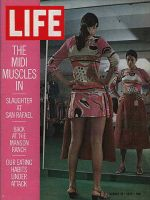 Life Magazine, August 21, 1970 - Midiskirts in fashion