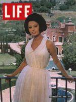 Life Magazine, September 18, 1964 - Sophia Loren