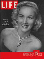 Life Magazine, September 22, 1947 - Fall Fashion review