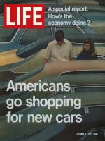 Life Magazine, October 8, 1971 - American's shop for new cars