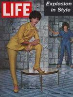 Life Magazine, December 1, 1961 - Italian styles, fashion